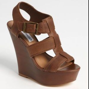 """STEVE MADDEN Brown """"Wanting Wedge Sandals / shoes"""